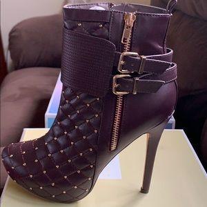 RealPlay maxin quilted high heel bootie